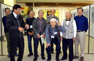 中央メガネの新指導講師の馬田広亘先生を囲んで
