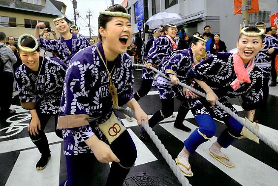 全日本写真連盟賞 「弾ける笑顔」岩崎茂樹(神奈川県)